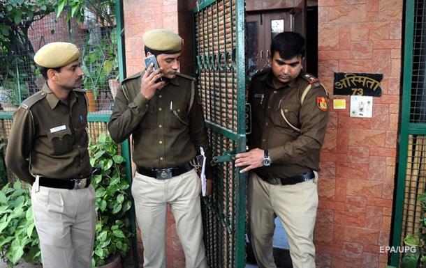 ЗМІ: У посла України в Індії вкрали телефон під час селфі