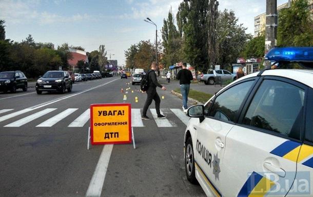 У Києві під колесами іномарки загинула жінка