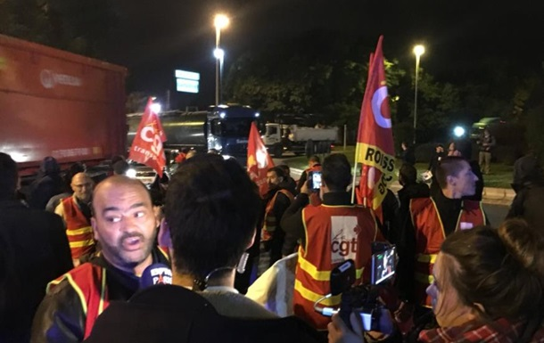 Францію охопили протести через реформи, що проводяться Макроном