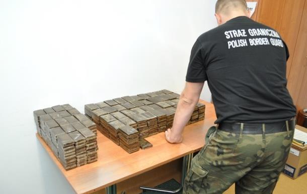 Литовец хотел ввезти в Украину гашиш на 700 тысяч евро