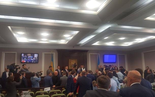 Депутат: В киевском облсовете произошла драка