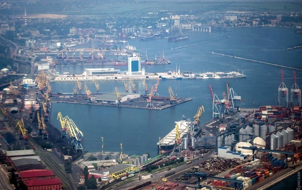 Кабмин дал миллиард на ремонт причала в Одессе