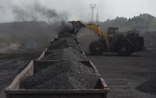 Россия помогает ЛДНР продавать уголь за границу - Bloomberg