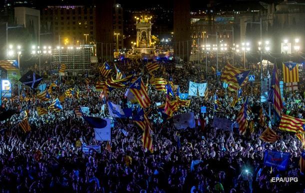 В Барселоне митингуют сто тысяч человек