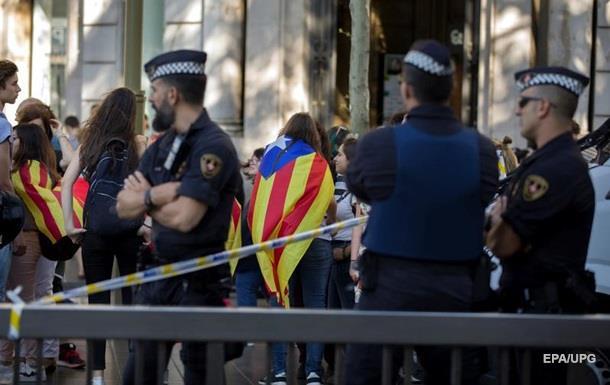 Поліція опечатала півтори тисячі ділянок у Каталонії