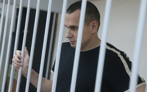 Сенцова этапируют в колонию на Ямал