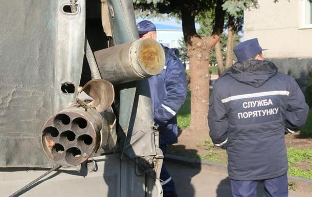 На складах в Калиновке продолжают греметь взрывы