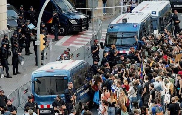 В Каталонии началась забастовка против полиции