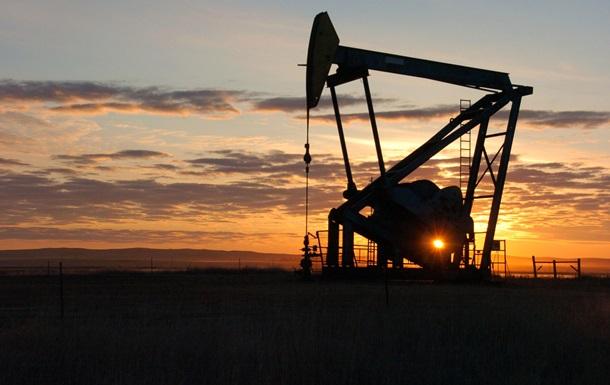 Fitch: Нафта ще довго не зможе пробити позначку в $60