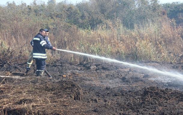 На Черкасщине полмесяца тушат пожар на торфяниках