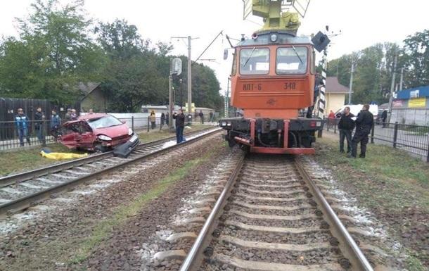 Смертельное ДТП с поездом на Киевщине: появились подробности