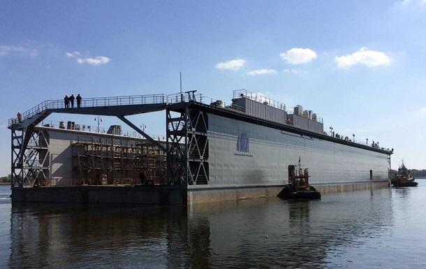 В Херсоне спустили на воду плавучий док, построенный для Кипра