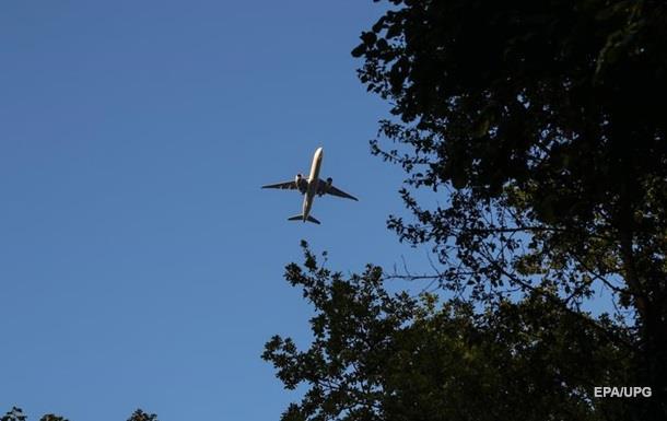 Шахрай продав українцям фальшивих авіаквитків на 1,5 млн грн