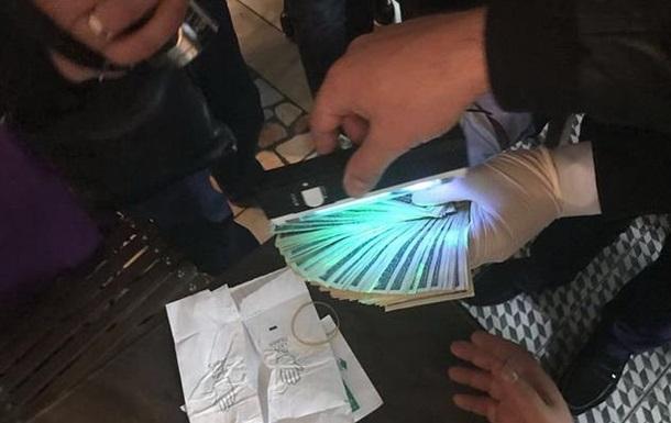 Руководство Укрпочты в Одессе попалось на взятке в $9600