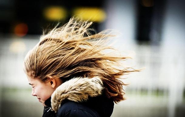 Украинцев предупредили о шквалистом ветре
