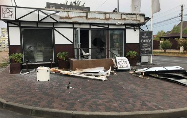 В Киеве подожгли два отдела продаж крупного застройщика