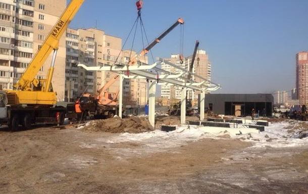 Суд Киева запретил строительство АЗС на Ревуцкого