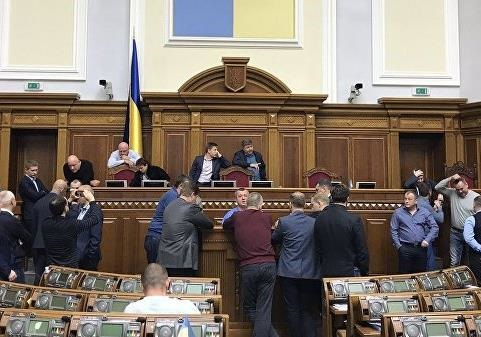 Закон о статусе Донбасса: вопросов больше, чем ответов