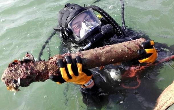 Под Одессой с затонувшего немецкого судна подняли 12 000 боеприпасов