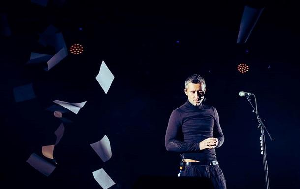 Співак Бабкін пояснив, чому гастролює в РФ