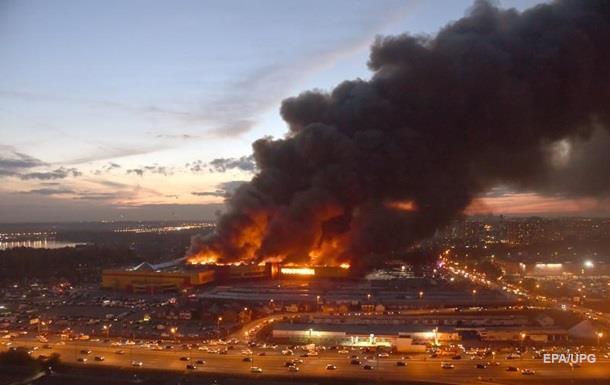В Москве на рынке произошел масштабный пожар