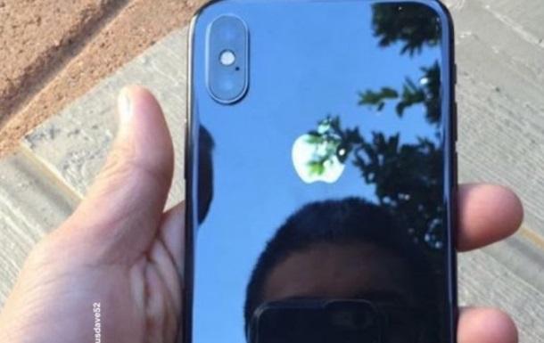 В Сети появились  живые  снимки iPhone X