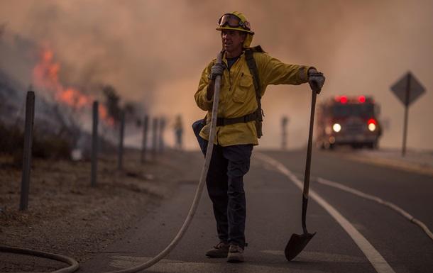Пожежі в Каліфорнії: загинули щонайменше 10 осіб