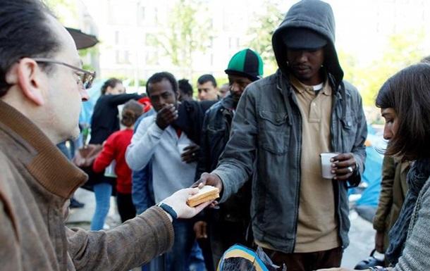 Франція готова прийняти десять тисяч біженців за два роки