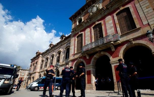 Будівлю парламенту Каталонії оточила поліція