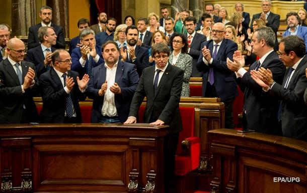 Глава Каталонії підписав документ про незалежність