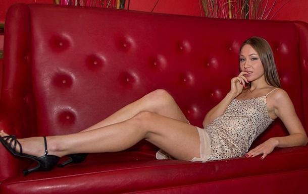 Российская порнозвезда просит власть признать криптовалюты