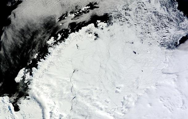 В Антарктиде обнаружили гигантскую странную дыру