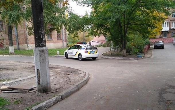 В Киеве неизвестный устроил стрельбу из окна жилого дома