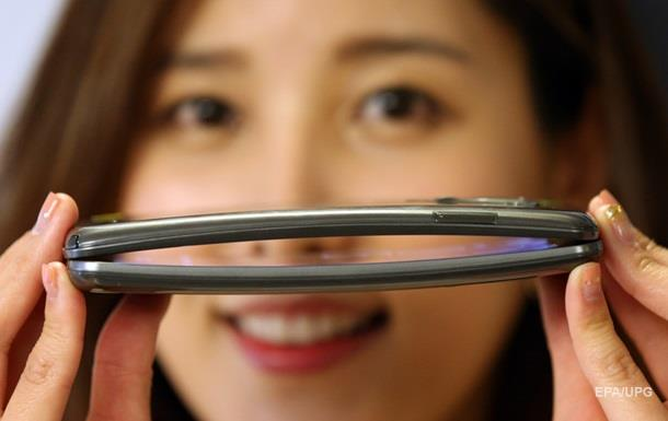 Apple сотрудничает с LG ради гибкого iPhone - СМИ