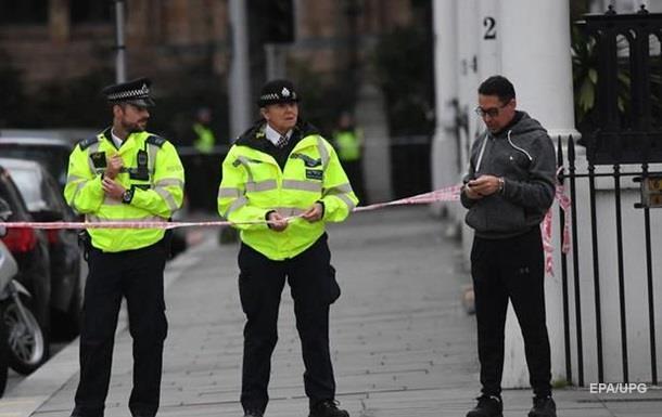 У Лондоні шість грабіжників втекли на одному моторолері