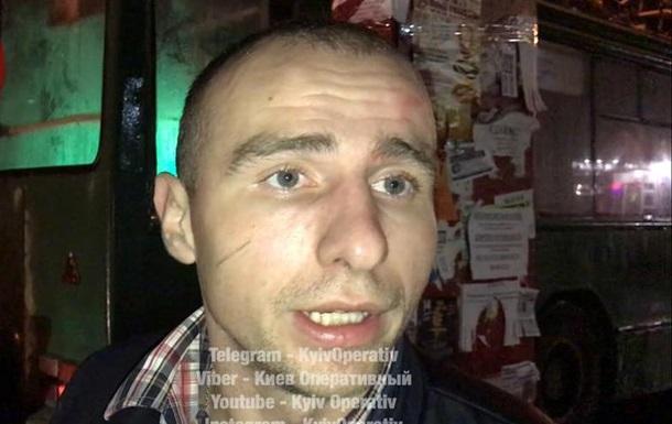 У Києві п яний водій протаранив на зупинці тролейбус