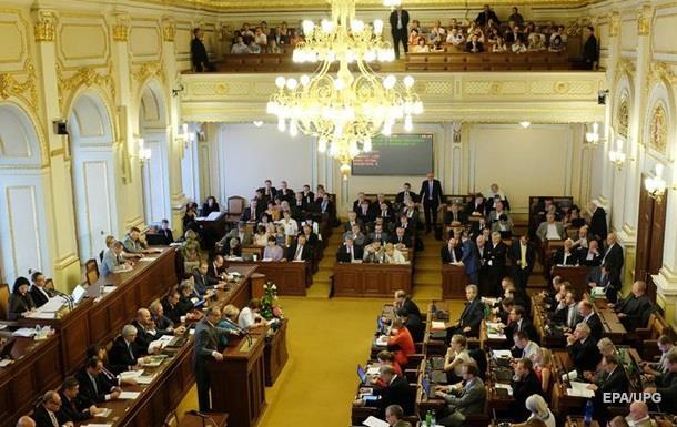 Сенат Чехії розкритикував Земана за слова про Крим
