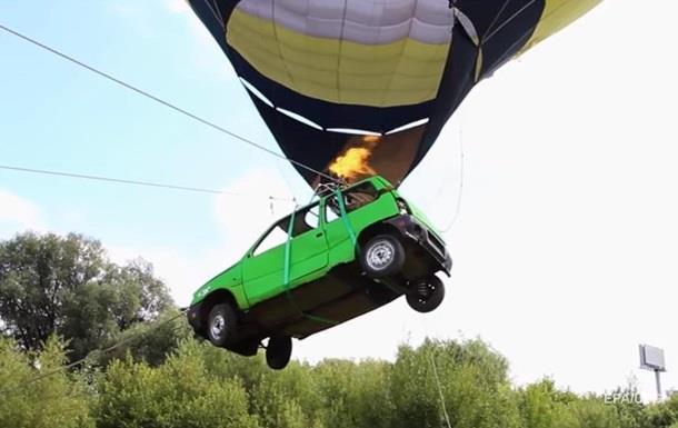 Росіянина оштрафували за водіння  літаючої  машини