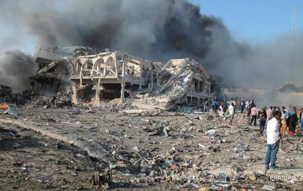У столиці Сомалі подвійний теракт: десятки вбитих