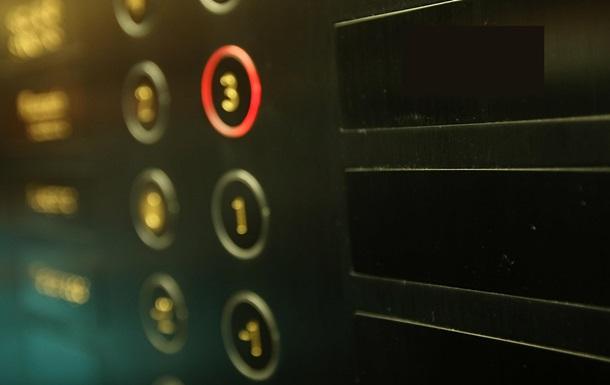 В Одессе женщина застряла в горящем лифте