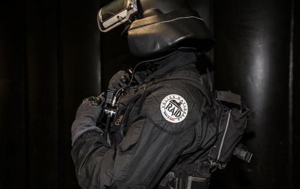Во Франции задержали десять человек, планировавших нападения на политиков