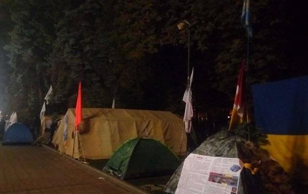 ГПУ и Нацполиция: Палатки возле Рады не снесут