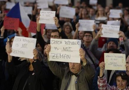 Позиция Земана относительно Крыма не устраивает обе стороны