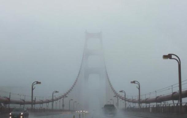 Водителей в Киеве предупредили о сильном тумане