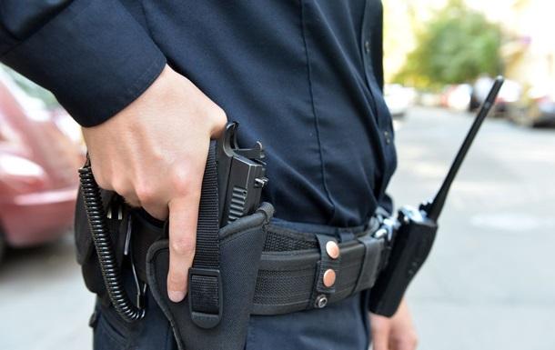 В Тернополе полицейский остановил пьяного водителя, запрыгнув в машину