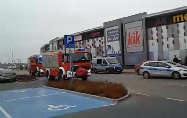 В Польше мужчина устроил резню в торговом центре