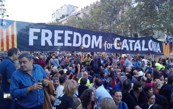 У Барселоні мітингують за незалежність Каталонії
