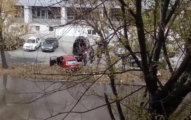 В Киеве машины залило кипятком