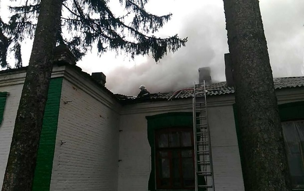 В Винницкой области во время уроков загорелась школа