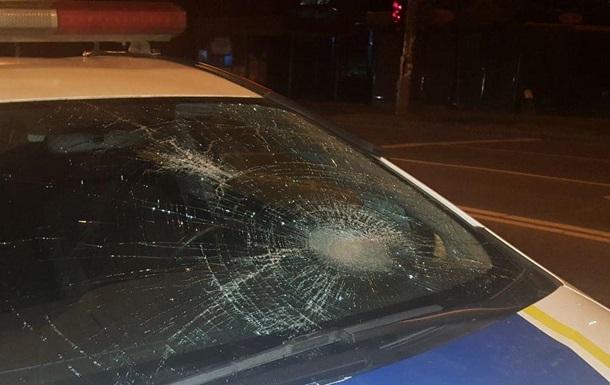 В Киеве полицейский автомобиль сбил пешехода